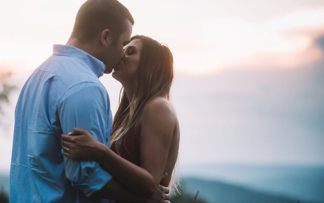 CELEBRATE LOVE WITH ENGAGEMENT SESSIONS