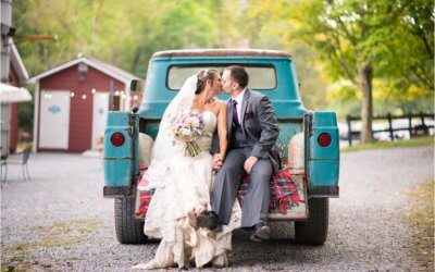 GABBY AND NATHAN ARE MARRIED AT CHANTECLAIRE FARM